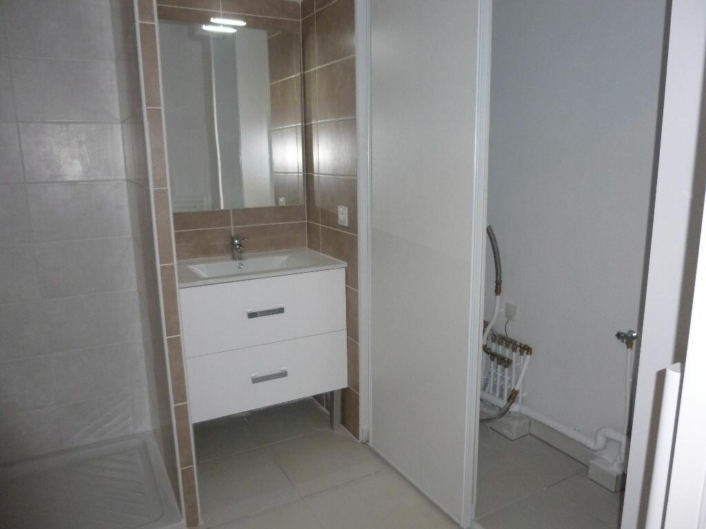 Appartement à louer 1 37.91m2 à Nîmes vignette-7