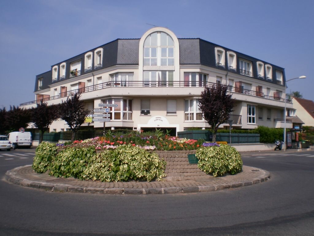 Appartement à louer 1 27.39m2 à Pontault-Combault vignette-1