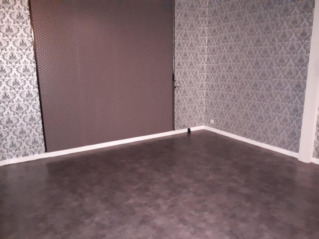 Appartement à louer 1 17.57m2 à Pontault-Combault vignette-2