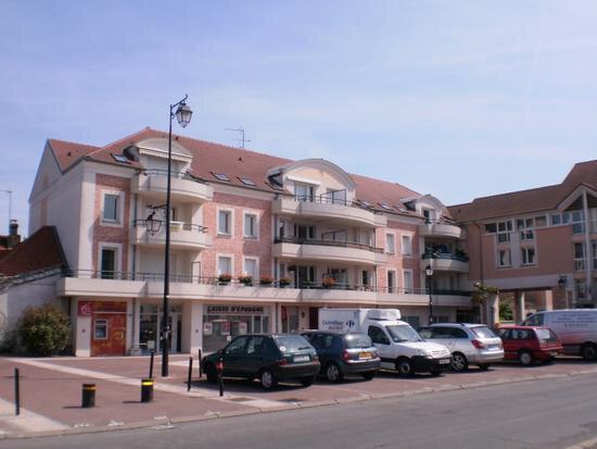 Appartement à louer 3 61.21m2 à Roissy-en-Brie vignette-1