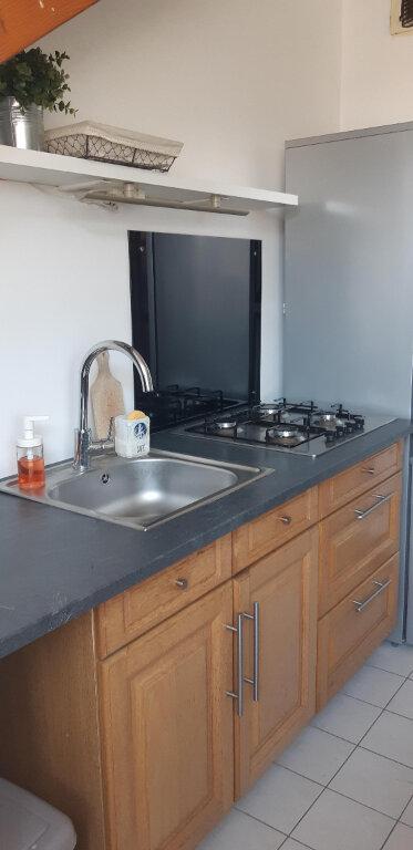 Appartement à louer 3 61.21m2 à Roissy-en-Brie vignette-4