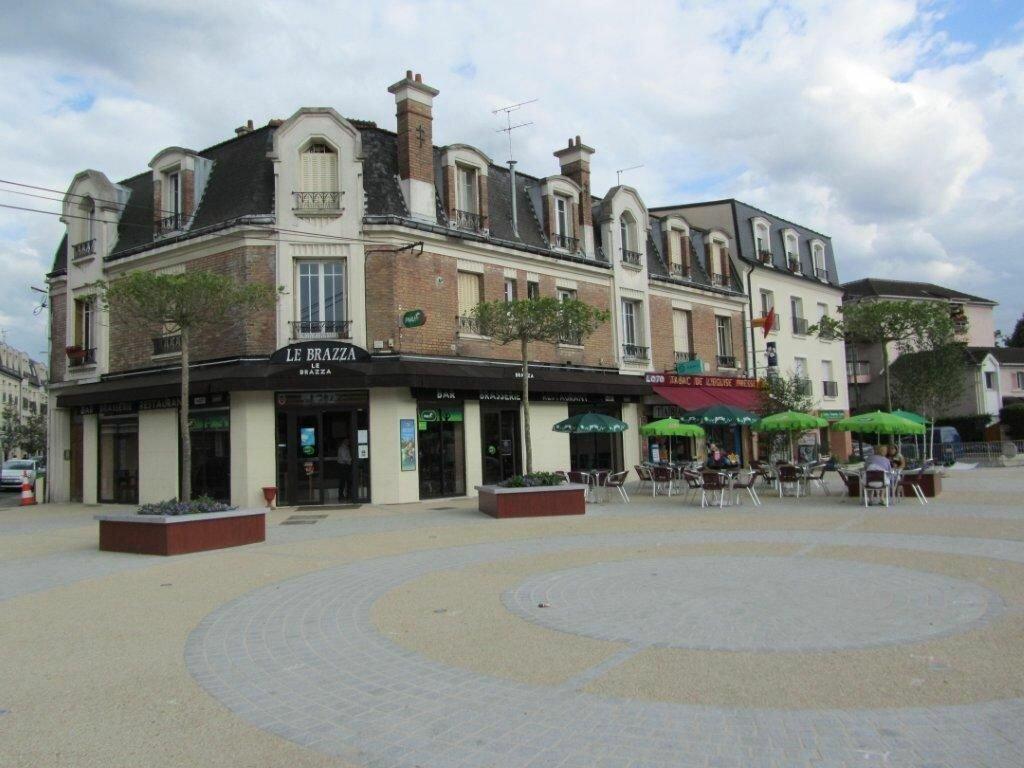 Appartement à louer 2 45m2 à Gournay-sur-Marne vignette-1