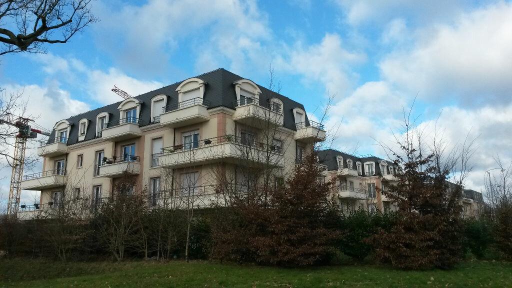 Appartement à louer 2 50.65m2 à Émerainville vignette-1
