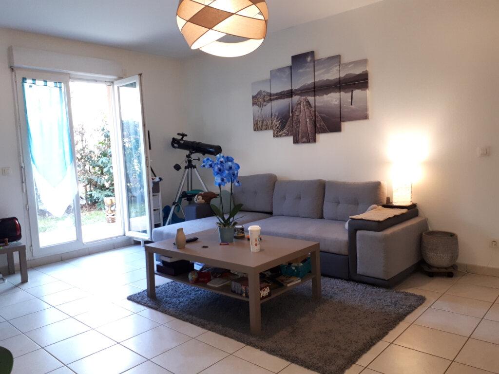 Appartement à louer 2 50.65m2 à Émerainville vignette-2