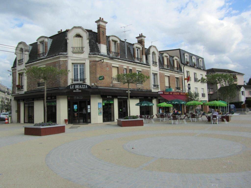 Appartement à louer 1 26m2 à Gournay-sur-Marne vignette-1