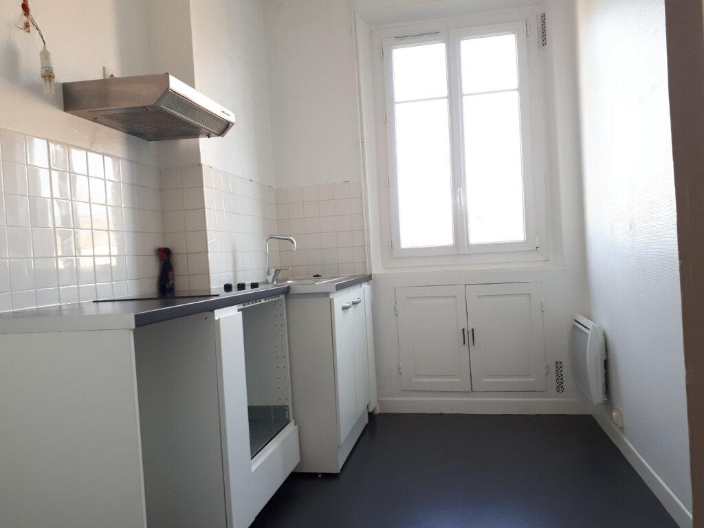 Appartement à louer 3 69.91m2 à Chelles vignette-2