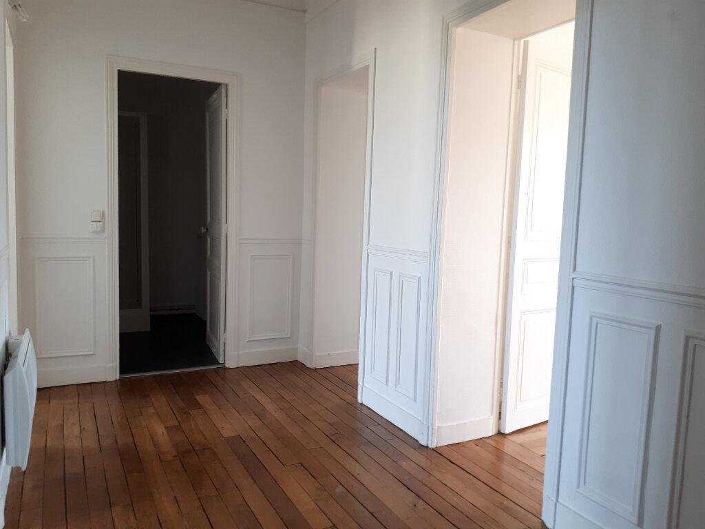 Appartement à louer 3 69.91m2 à Chelles vignette-3