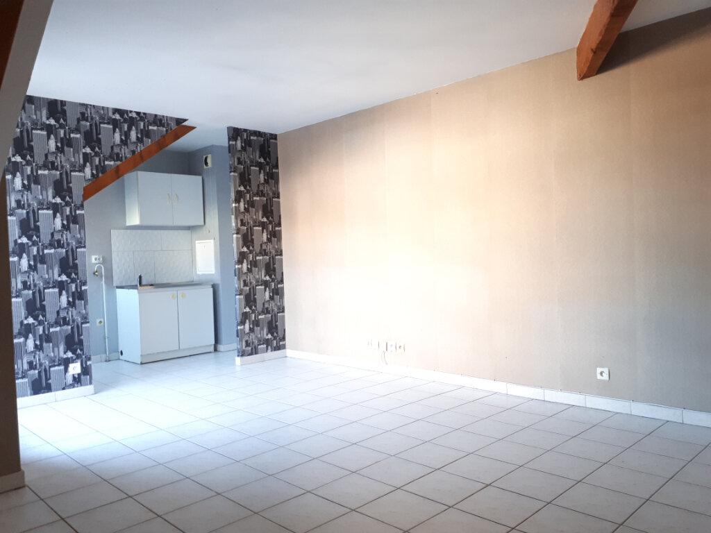Appartement à louer 2 36m2 à Roissy-en-Brie vignette-2