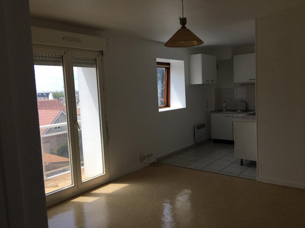 Appartement à louer 2 34.24m2 à Pontault-Combault vignette-3