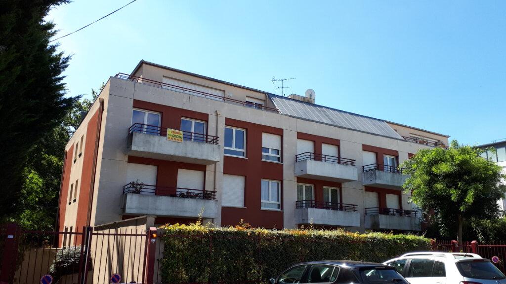Appartement à louer 2 54.02m2 à Le Plessis-Trévise vignette-1