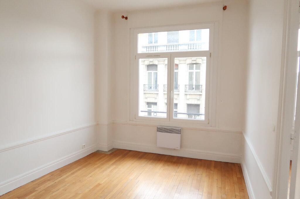 Appartement à louer 2 50m2 à Saint-Quentin vignette-2