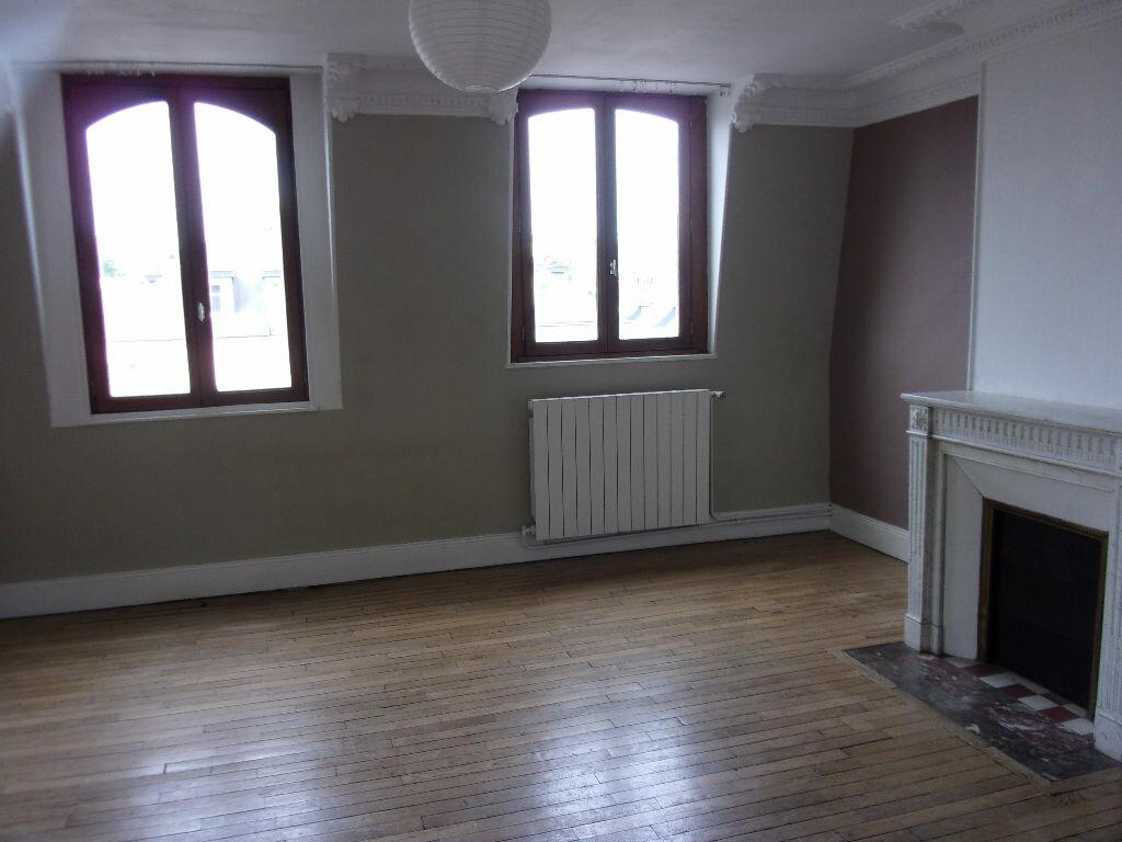 Appartement à louer 3 87.85m2 à Saint-Quentin vignette-4