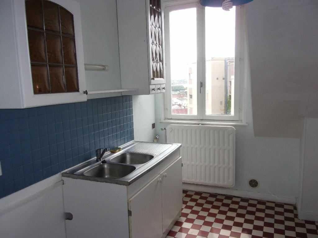 Appartement à louer 3 87.85m2 à Saint-Quentin vignette-6