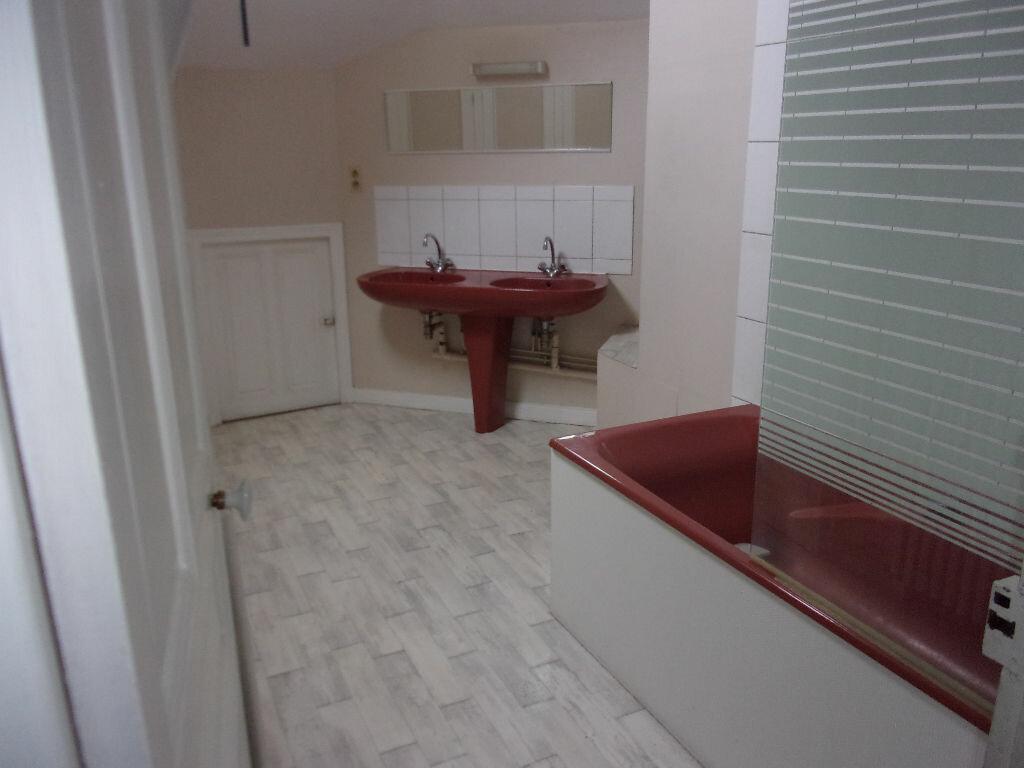 Appartement à louer 3 87.85m2 à Saint-Quentin vignette-11