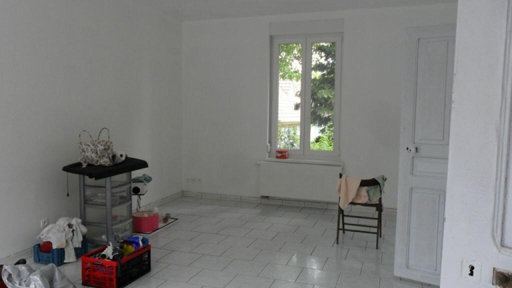 Maison à louer 5 120m2 à Pontru vignette-1