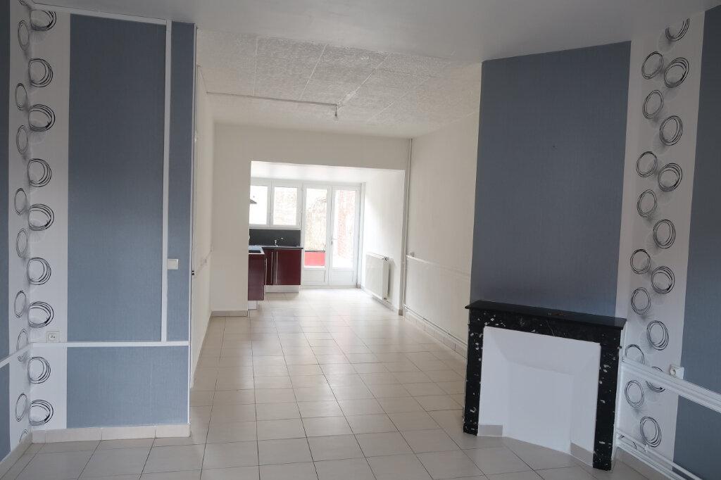 Maison à louer 5 113m2 à Saint-Quentin vignette-3