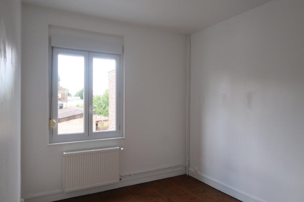 Maison à louer 5 113m2 à Saint-Quentin vignette-9