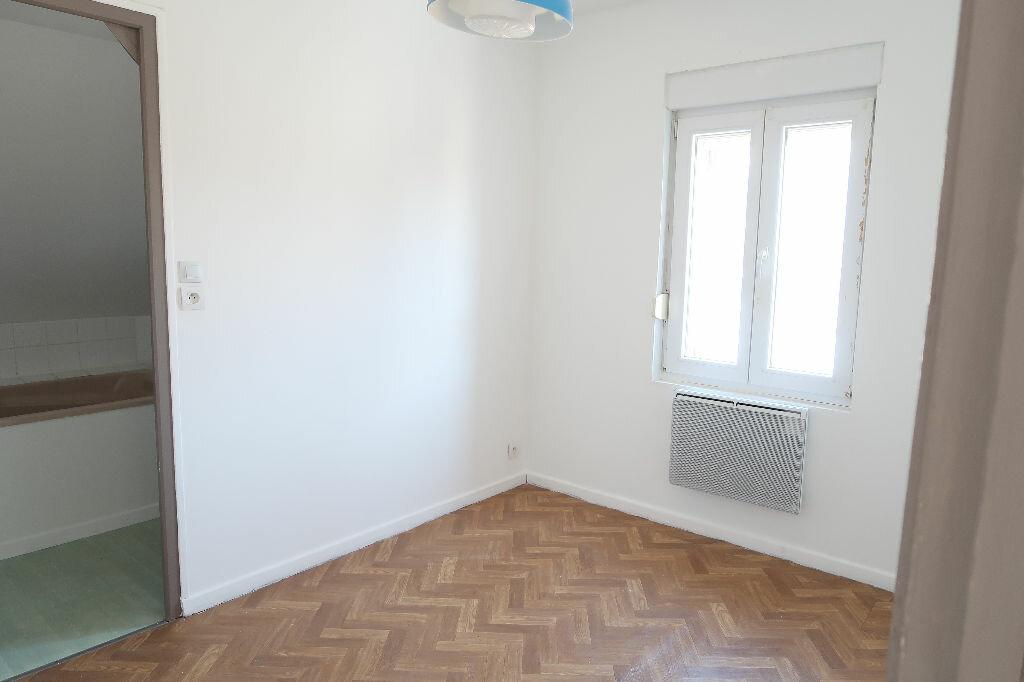 Appartement à louer 2 31m2 à Saint-Quentin vignette-5
