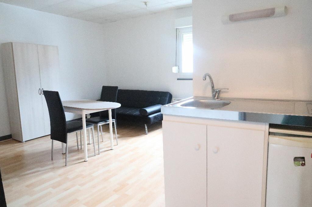 Appartement à louer 1 18.8m2 à Saint-Quentin vignette-2