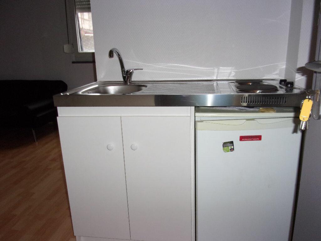 Appartement à louer 1 18.8m2 à Saint-Quentin vignette-5