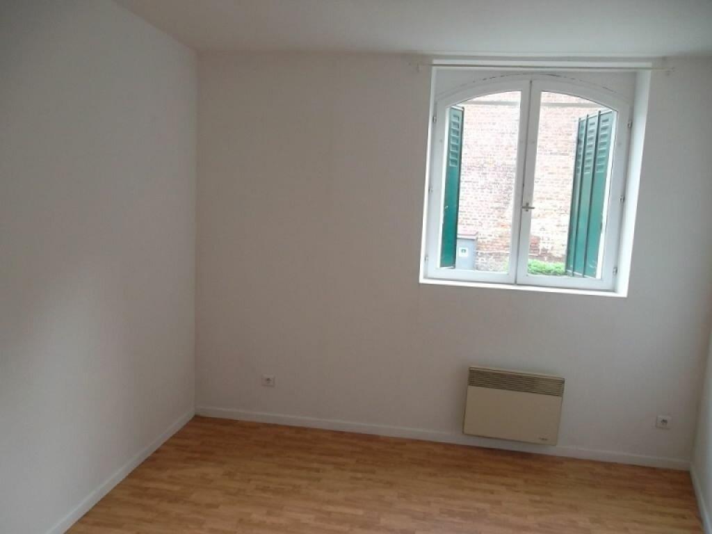Appartement à louer 2 37m2 à Saint-Quentin vignette-3