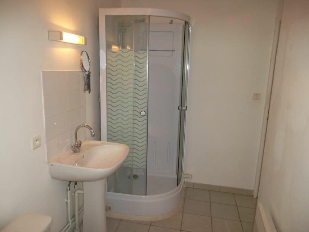 Appartement à louer 2 37m2 à Saint-Quentin vignette-4