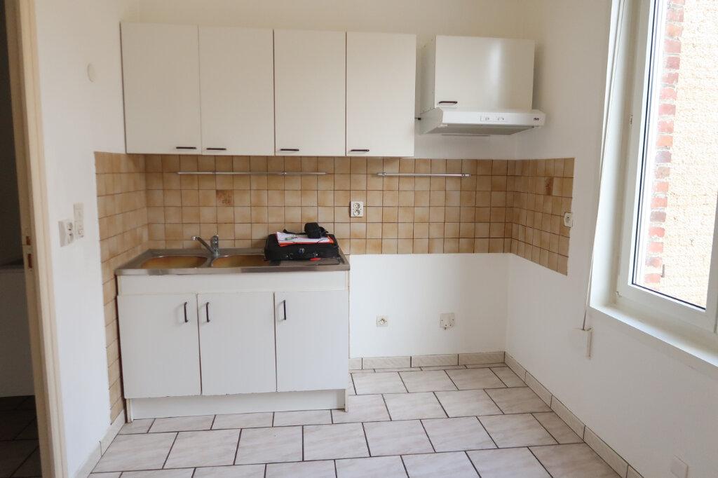 Appartement à louer 3 63m2 à Saint-Quentin vignette-1