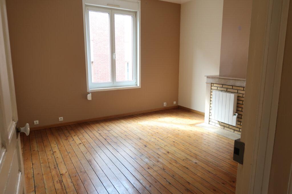 Appartement à louer 3 63m2 à Saint-Quentin vignette-2
