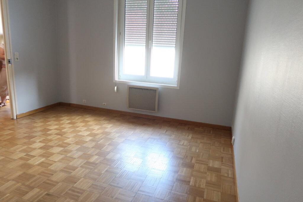 Appartement à louer 3 63m2 à Saint-Quentin vignette-4