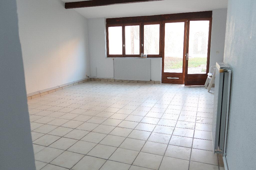 Maison à louer 4 105m2 à Saint-Quentin vignette-4