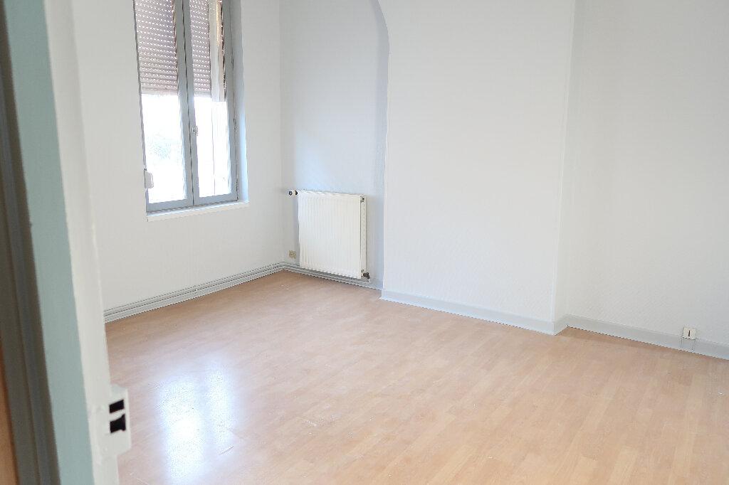Maison à louer 4 105m2 à Saint-Quentin vignette-5