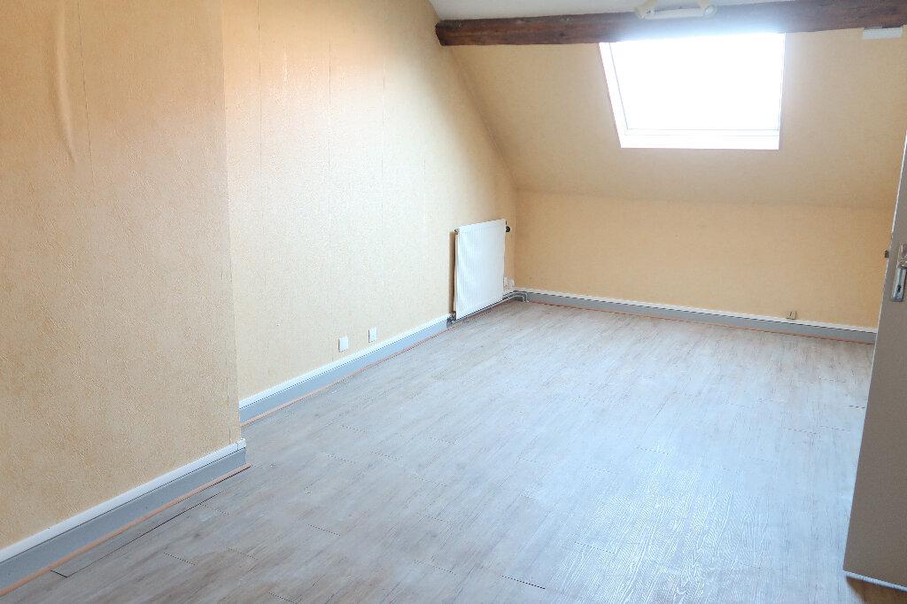 Maison à louer 4 105m2 à Saint-Quentin vignette-6