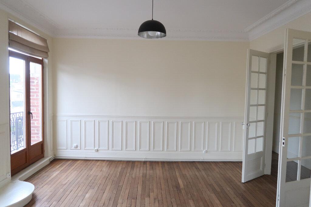 Appartement à louer 3 99.9m2 à Saint-Quentin vignette-3