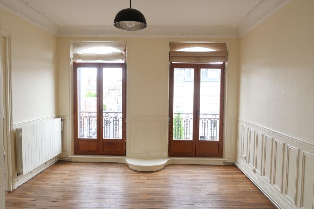 Appartement à louer 3 99.9m2 à Saint-Quentin vignette-4