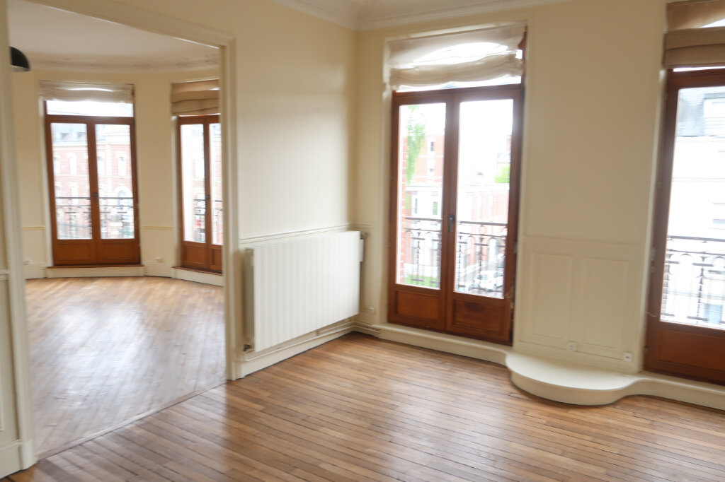 Appartement à louer 3 99.9m2 à Saint-Quentin vignette-5