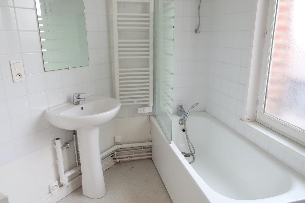 Appartement à louer 3 99.9m2 à Saint-Quentin vignette-8