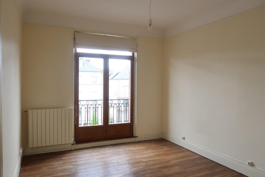 Appartement à louer 3 99.9m2 à Saint-Quentin vignette-9