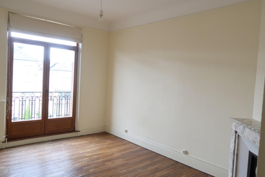 Appartement à louer 3 99.9m2 à Saint-Quentin vignette-10