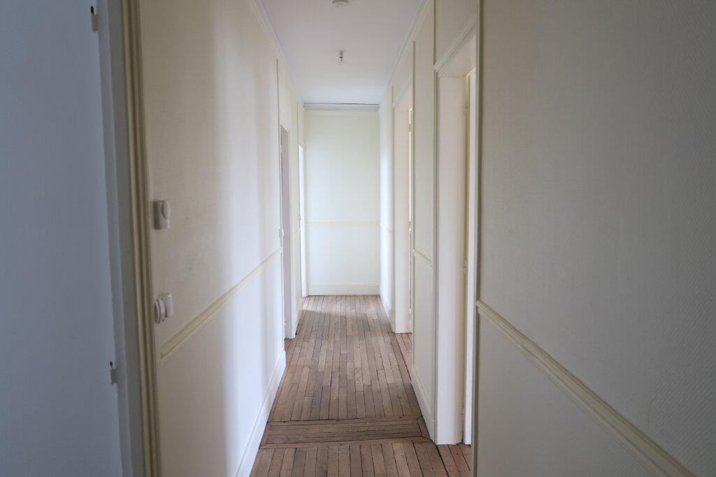 Appartement à louer 3 99.9m2 à Saint-Quentin vignette-16