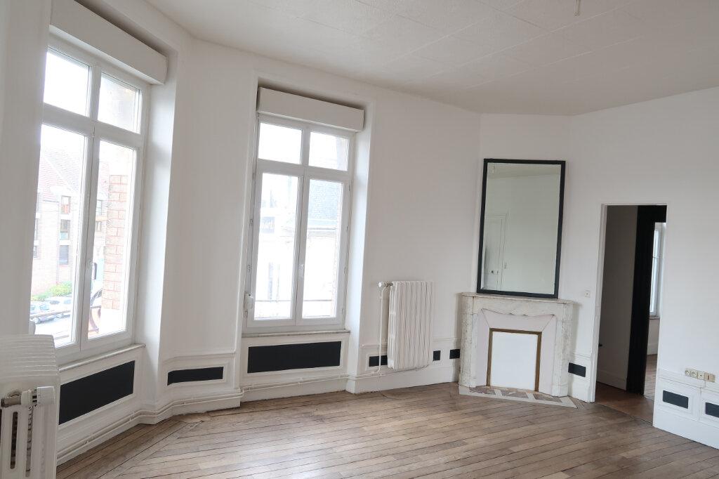 Appartement à louer 2 60m2 à Saint-Quentin vignette-1