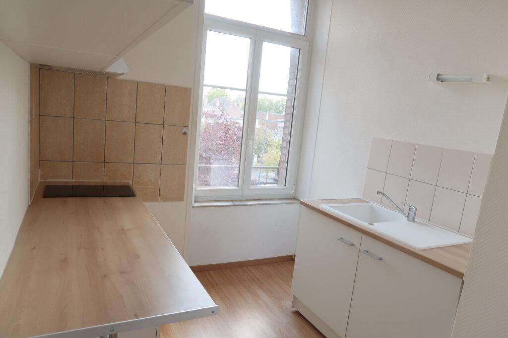 Appartement à louer 2 60m2 à Saint-Quentin vignette-5