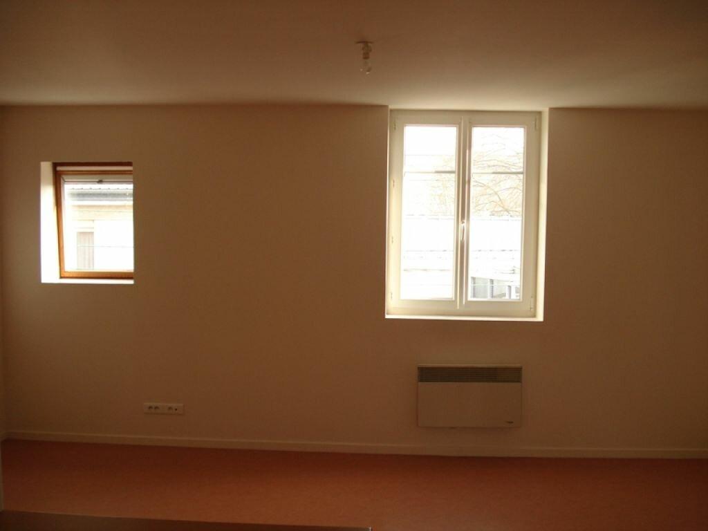 Appartement à louer 1 36m2 à Saint-Quentin vignette-3