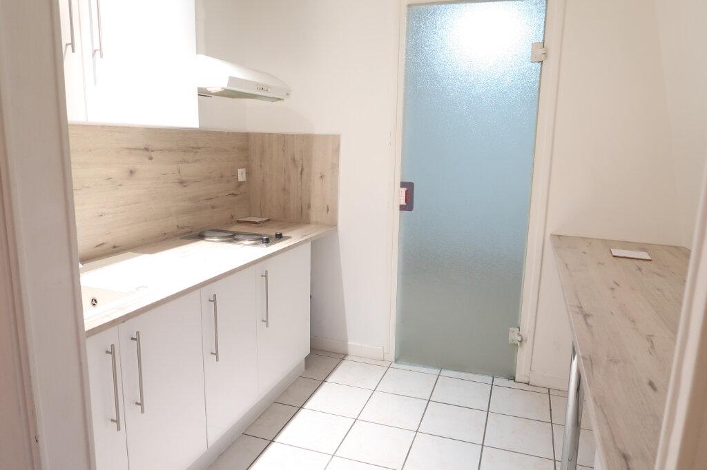 Appartement à louer 2 39m2 à Saint-Quentin vignette-1