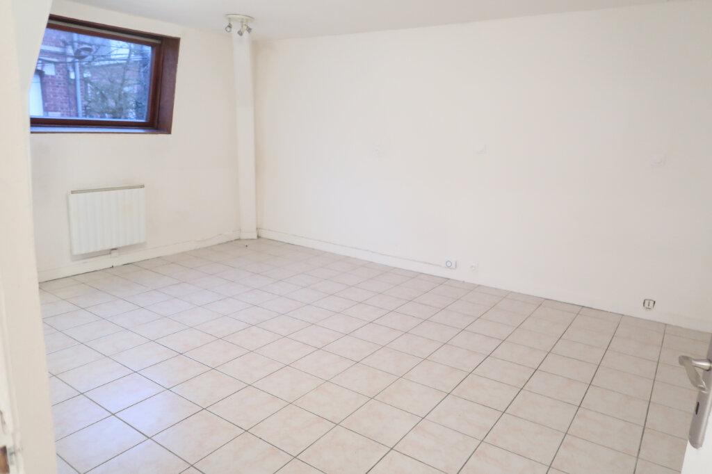 Appartement à louer 2 39m2 à Saint-Quentin vignette-2
