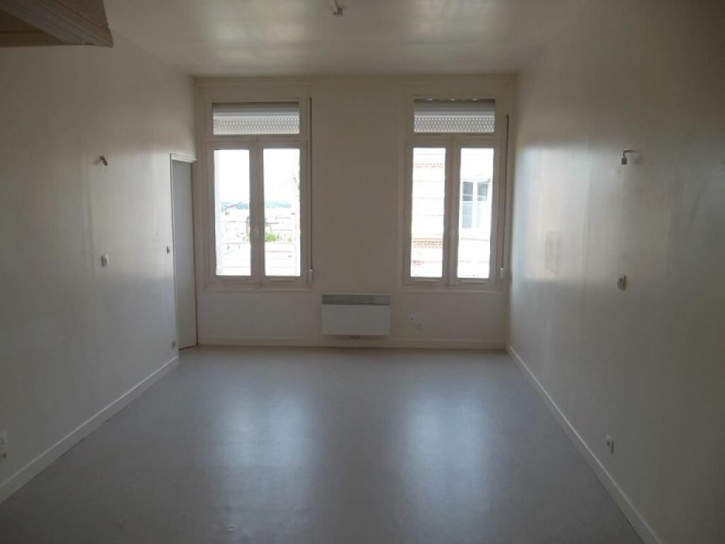 Appartement à louer 2 34.87m2 à Saint-Quentin vignette-2