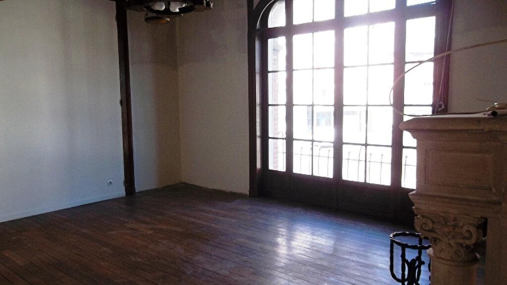 Appartement à louer 2 62.3m2 à Saint-Quentin vignette-2