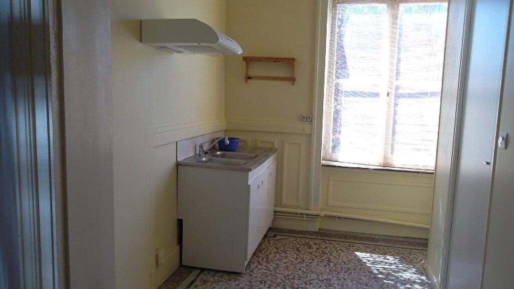 Appartement à louer 2 62.3m2 à Saint-Quentin vignette-3