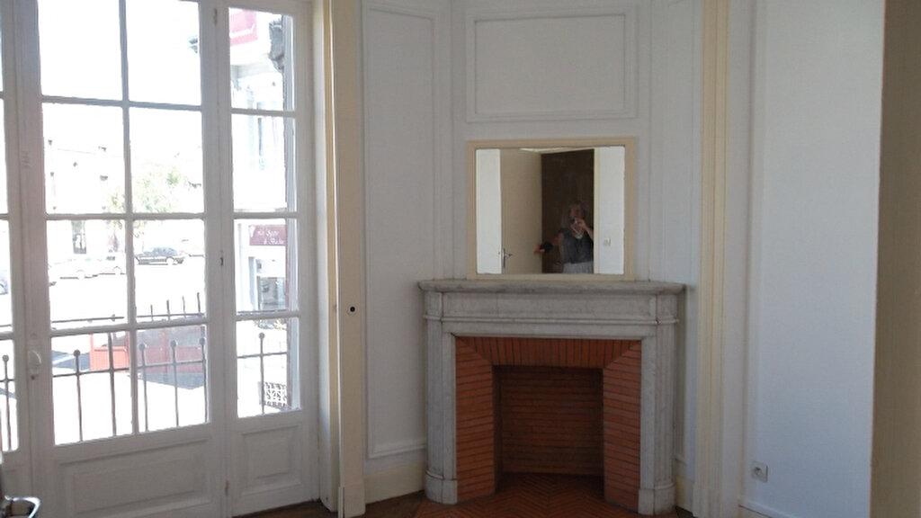 Appartement à louer 2 62.3m2 à Saint-Quentin vignette-4