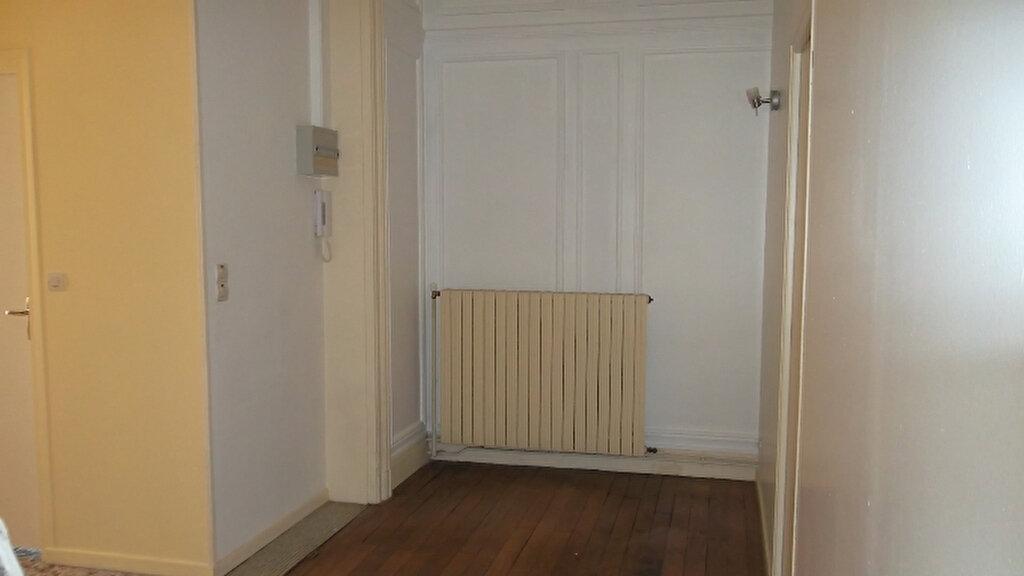 Appartement à louer 2 62.3m2 à Saint-Quentin vignette-5