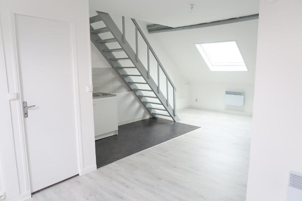 Appartement à louer 2 35m2 à Saint-Quentin vignette-2